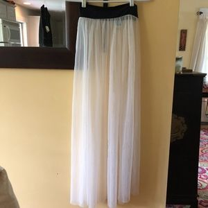 FREE PEOPLE white mesh skirt w/black stretch waist